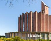 Herstelwerkzaamheden in Opstandingskerk de Kolenkit in Amsterdam